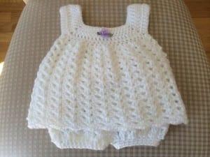 Kolay Bebek Elbisesi Yapılışı 4