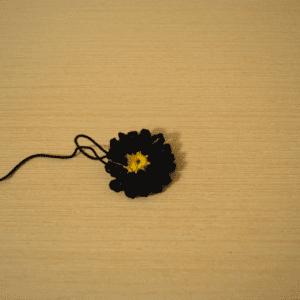 Örgü Çiçek Toka Yapılışı 4