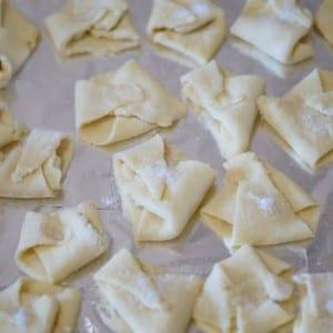 Süzme Peynirli Çerez Yapılışı 7