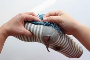 Çocuklar İçin Çoraptan At Yapılışı 27