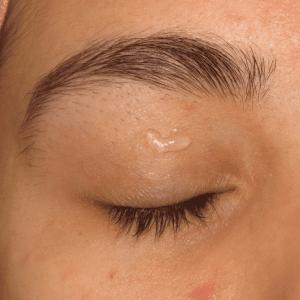 Dumanlı Göz Makyajı Nasıl Yapılır ? 12