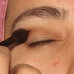 Dumanlı Göz Makyajı Nasıl Yapılır ? 13