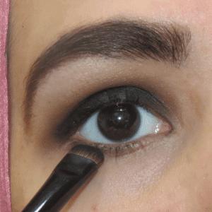 Dumanlı Göz Makyajı Nasıl Yapılır ? 14