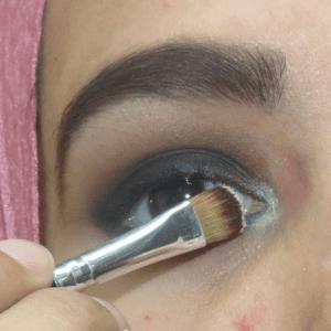 Dumanlı Göz Makyajı Nasıl Yapılır ? 15