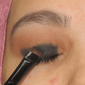 Dumanlı Göz Makyajı Nasıl Yapılır ? 5