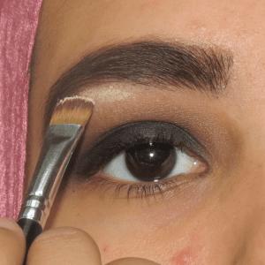 Dumanlı Göz Makyajı Nasıl Yapılır ? 8