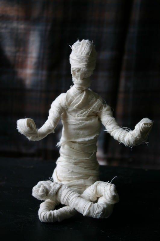 Çocuklarla Etkinlik: Mumya Yapımı 6