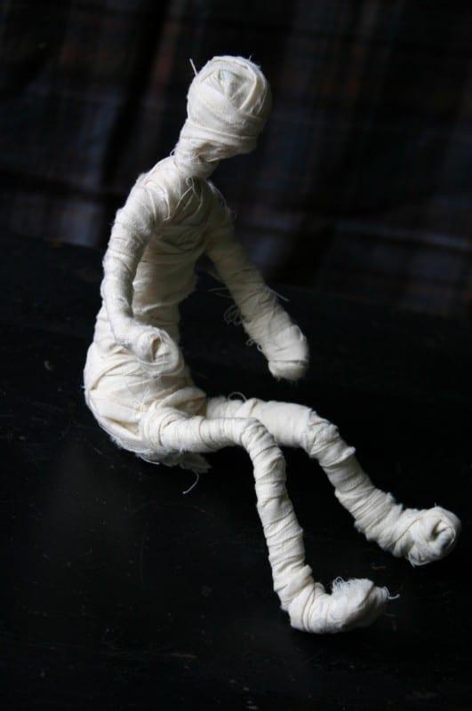 Çocuklarla Etkinlik: Mumya Yapımı 7