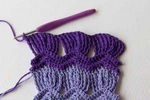 Tığ İşi Dalgalı Bebek Battaniyesi Modeli 10