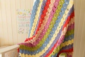 Zikzak Dalgalı Bebek Battaniyesi Örülüşü