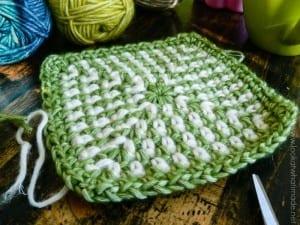 İki Renkli Keten Modeli Bebek Battaniyesi Yapılışı 8