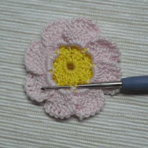 Örgü Çiçek Toka Yapılışı 13