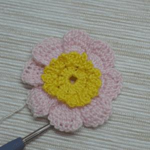 Örgü Çiçek Toka Yapılışı 21