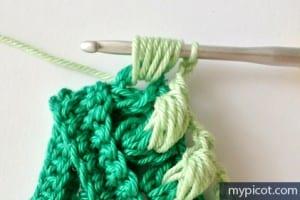 Örgü Renkli Bebek Battaniyesi Yapılışı 3