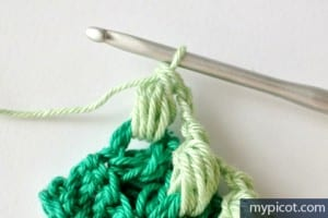 Örgü Renkli Bebek Battaniyesi Yapılışı 5