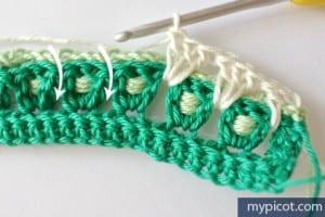 Örgü Renkli Bebek Battaniyesi Yapılışı 7