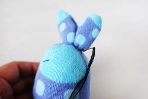 Çoraptan Tavşan Nasıl Yapılır ? 14