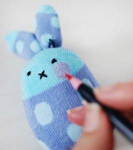 Çoraptan Tavşan Nasıl Yapılır ? 17