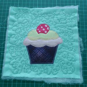 Cupcake Kumaş Tutacak Yapılışı 21