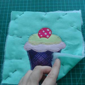 Cupcake Kumaş Tutacak Yapılışı 7