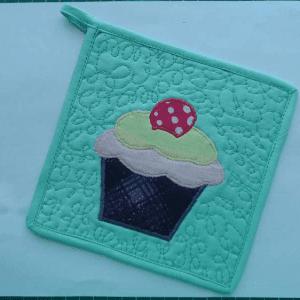 Cupcake Kumaş Tutacak Yapılışı 8
