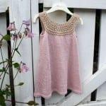 Kız Bebeklere Örgü Elbise Modelleri 109