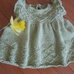 Kız Bebeklere Örgü Elbise Modelleri 43