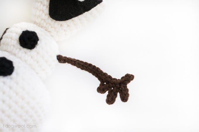 Crochet Doll Cradle Purse Pattern : Amigurumi Frozen Olaf Free Pattern - Mimuu.com