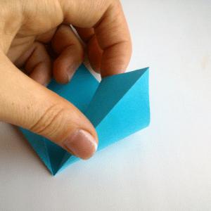 Kağıttan Origami Çiçek Yapılışı 3