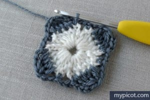 Motifli Örgü Şapka Yapılışı 9