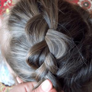 Örgü Topuz Saç Modeli Yapılışı 3