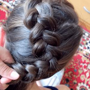 Örgü Topuz Saç Modeli Yapılışı 8