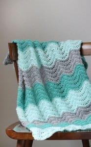 Dalgalı Zikzak Bebek Battaniyesi Örneği