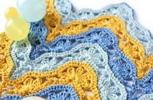 Çiçekli Zikzak Bebek Battaniyesi Yapılışı 18