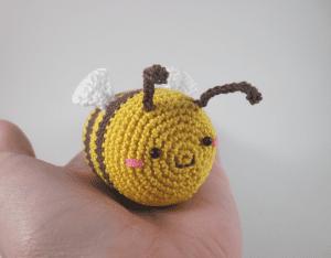 Amigurumi Sevimli Arı Çıngırak Yapılışı