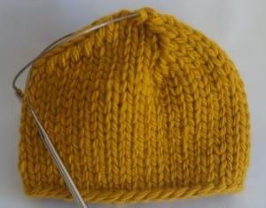Kalın İplikle Kürklü Şapka Yapılışı 10