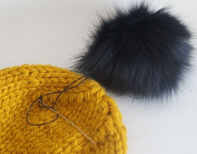 Kalın İplikle Kürklü Şapka Yapılışı 12