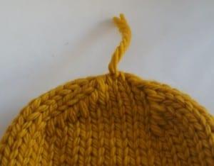 Kalın İplikle Kürklü Şapka Yapılışı 4