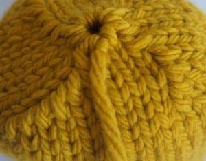 Kalın İplikle Kürklü Şapka Yapılışı 5