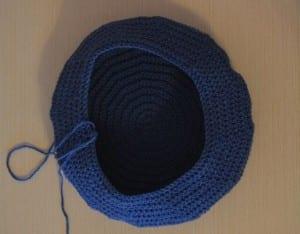 Örgü Polis Şapkası Nasıl Yapılır ? 6