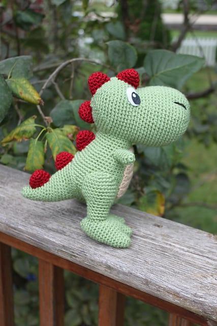 Amigurumi Dinosaur Pattern Free : Amigurumi T-Rex Dinazor Free Pattern - Mimuu.com