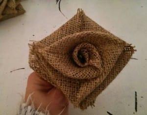 DIY, Çuval Bezinden Top Çiçek Yapılışı 3