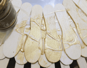 DIY, Dondurma Çubuklarından Ayna Yapılışı 15
