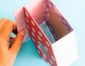 Karton Kutudan Kuş Evi Yapımı 7