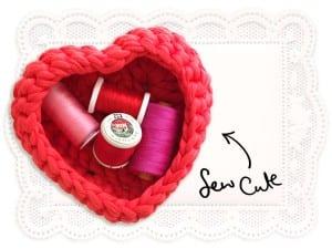 Penye İpten Kalp Sepet Yapılışı 8