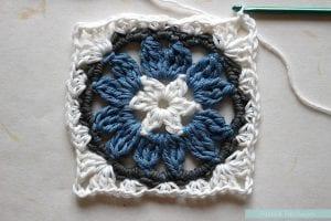 Anemon Çiçeği Bebek Battaniyesi Yapılışı 20