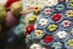 Videolu, Çiçek Motifli Bebek Battaniyesi Yapılışı 12