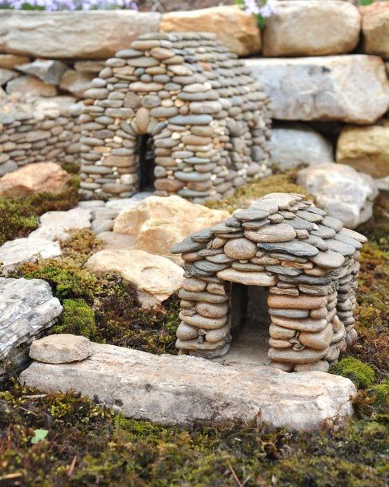 Как построить дом из камней своими руками 22