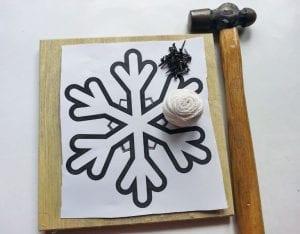 DIY, Çivi İşi Kar Tanesi Pano Yapımı 4