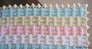 Ekose Desenli Fıstıklı Bebek Battaniyesi Yapımı 3